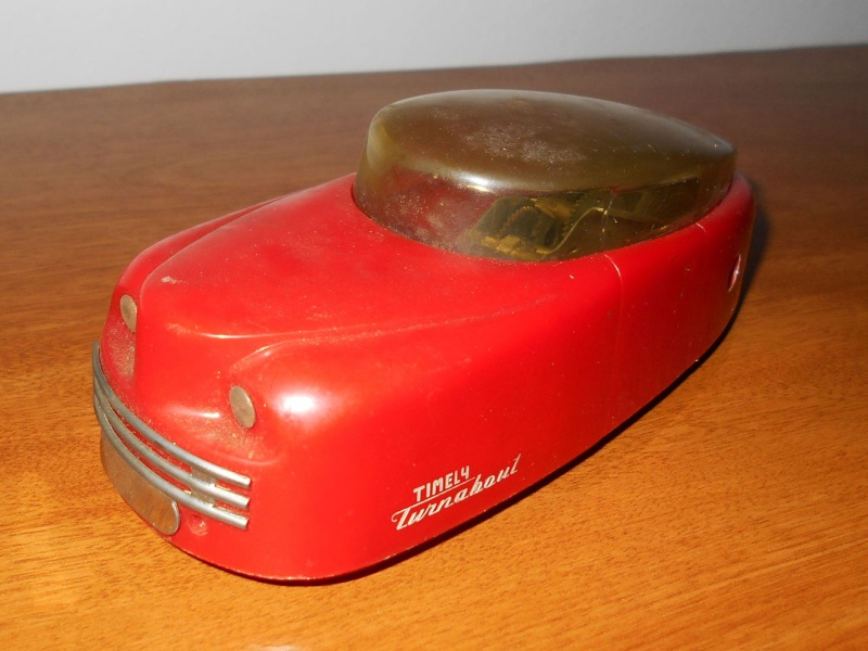 Vintage Futuristic Timely Turnabout by Timely Toys 1950's Wind-Up Toy Car Scq10