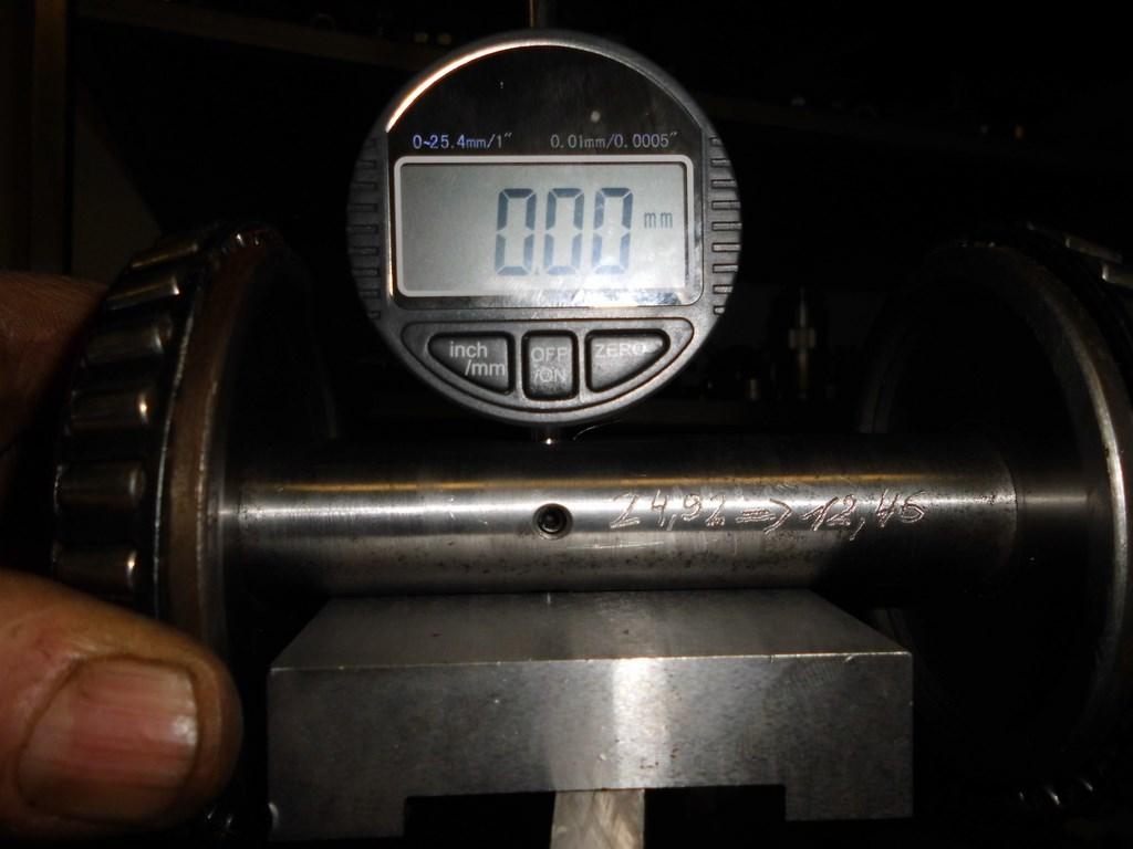 Les calibres pour régler la profondeur du pignon d'attaque Dsci0913