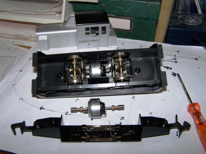 Essai de montage d'un 2ème moteur sur la BR216 Rivarossi Locotr10
