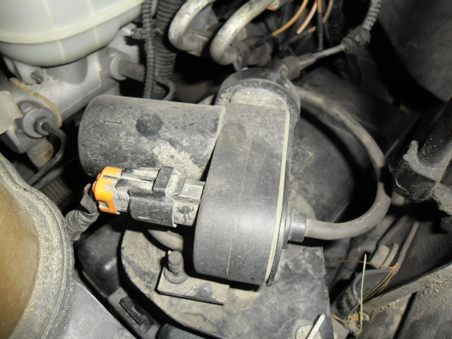 Truc trouble 4x4 Ford 1999-2005 Hub locking  solenoid Sam_0930