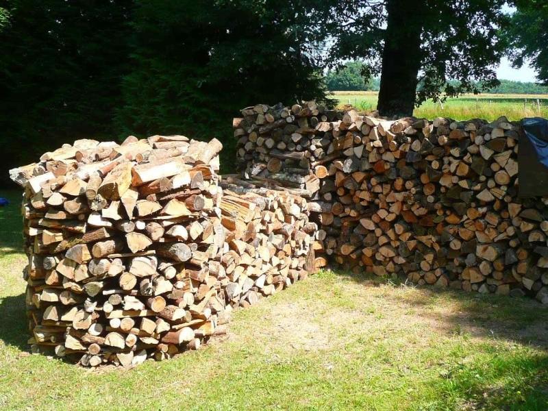 Une meule pour stocker son bois : J11