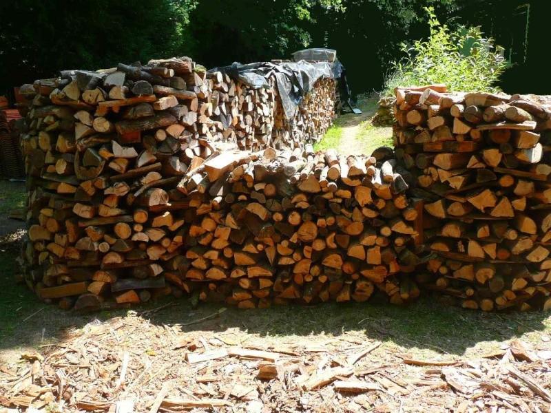 Une meule pour stocker son bois : K11