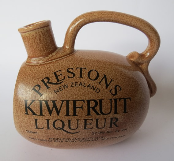 For gallery 1457 Prestons Kiwifuit Liqueur bottle  Presto10