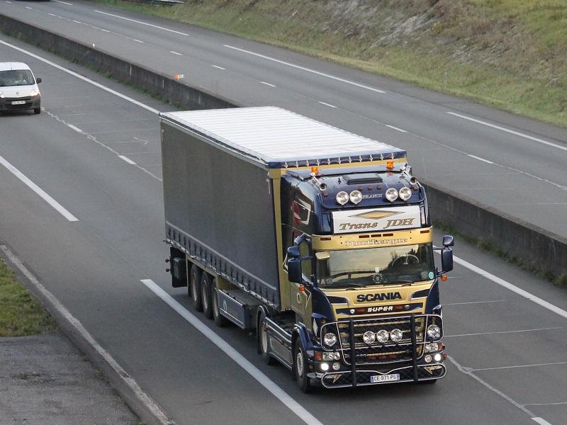 vue et pris en réel - Page 9 Scania28