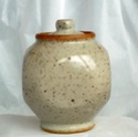 Small lidded stoneware pot - no stamp 1full17