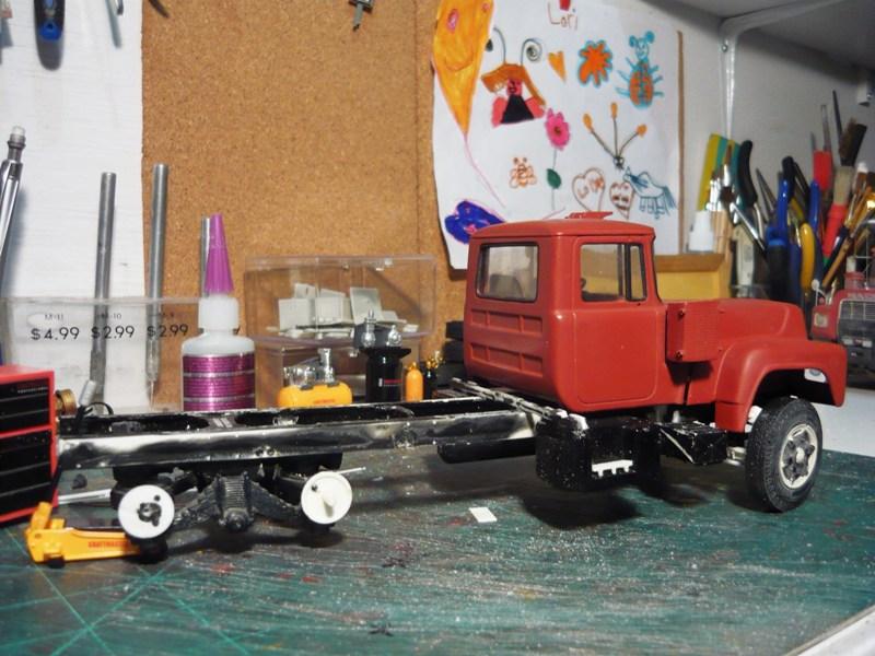 Mack R 700 1971 avec remorque bi train. P1120114