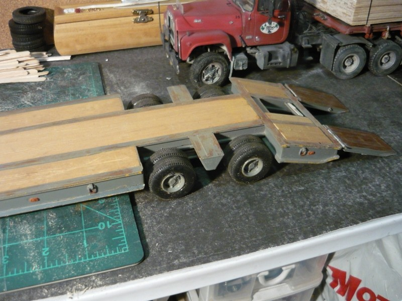 Ford  Aeromax avec fardier 35 tonnes P1120726