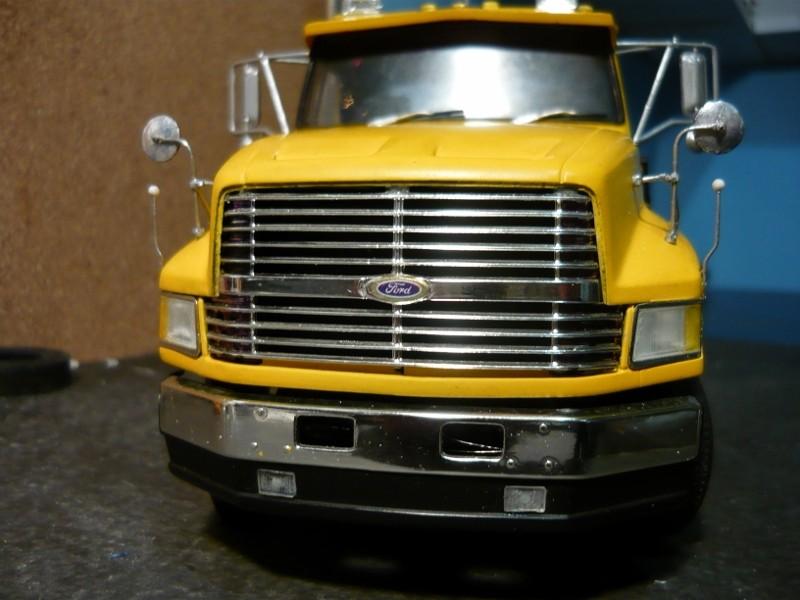 Ford  Aeromax avec fardier 35 tonnes - Page 2 P1120927