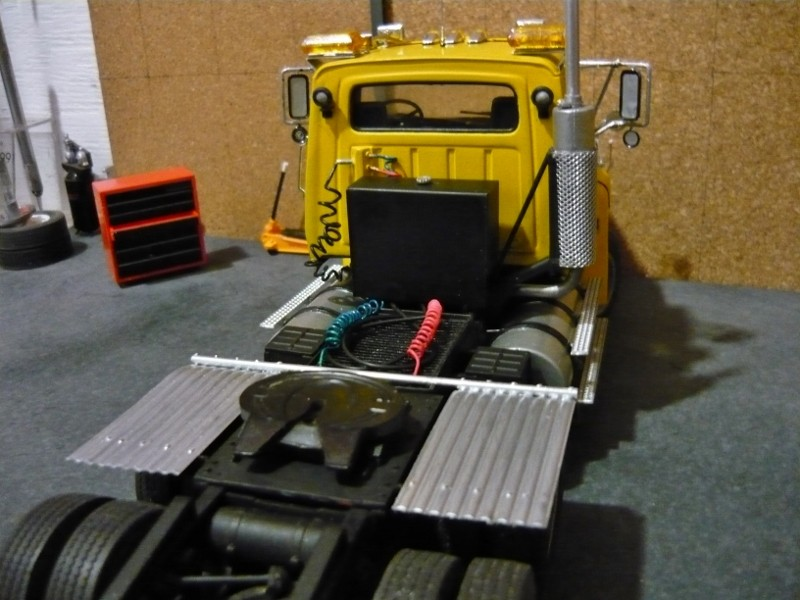 Ford  Aeromax avec fardier 35 tonnes - Page 3 P1130017