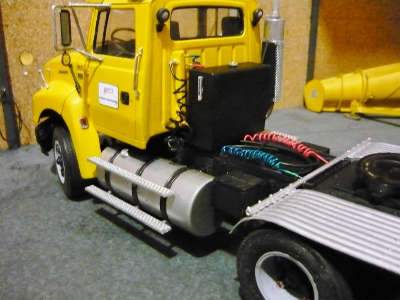 Ford  Aeromax avec fardier 35 tonnes - Page 3 P1130018