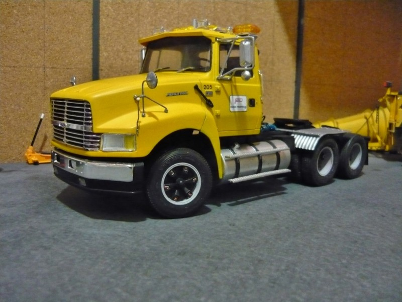 Ford  Aeromax avec fardier 35 tonnes - Page 3 P1130020