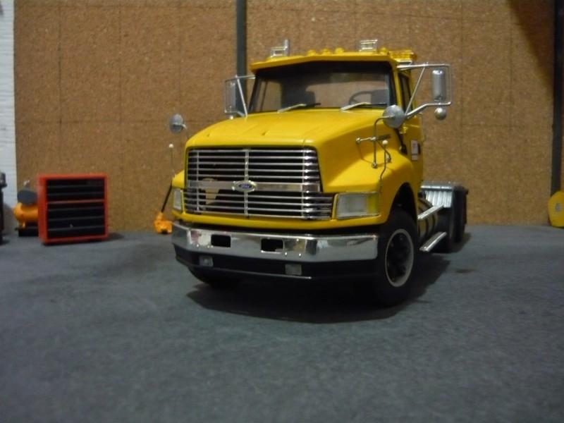 Ford  Aeromax avec fardier 35 tonnes - Page 2 P1130027