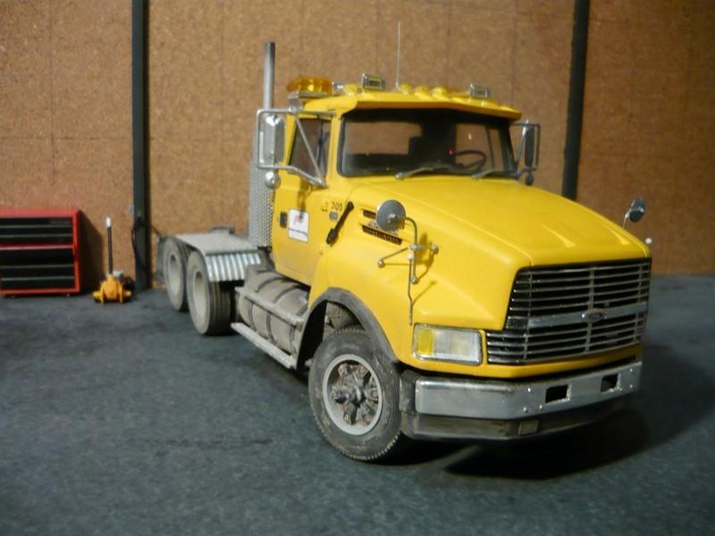 Ford  Aeromax avec fardier 35 tonnes - Page 3 P1130045