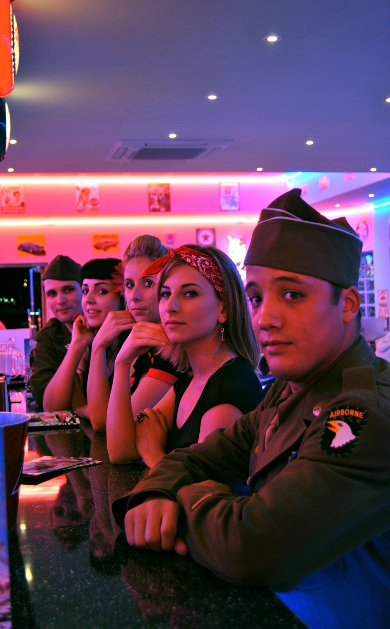 Soirée repas Pin up with soldiers 40/50s Groupe13