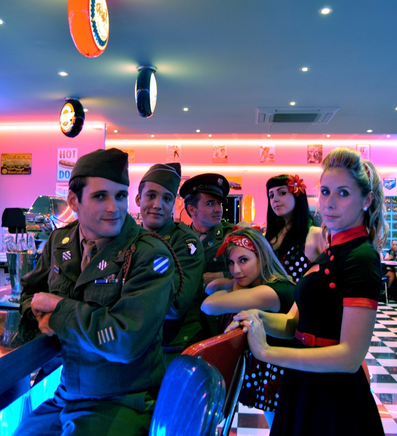 Soirée repas Pin up with soldiers 40/50s Groupe14