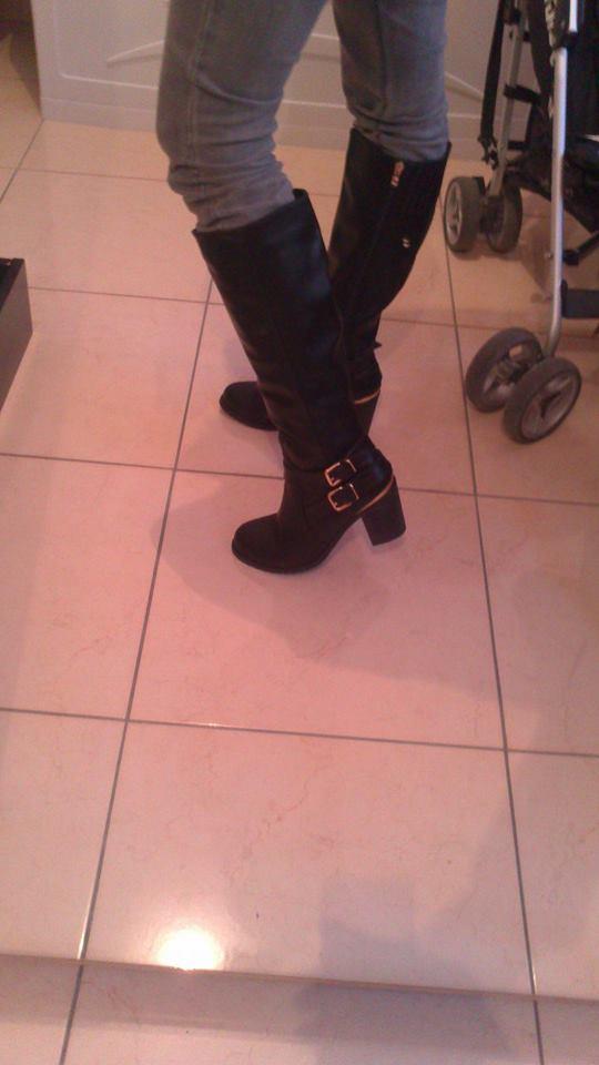 Mode, Galopines & Co : ici les stilettos, sneakers, bodycon, peplum... n'auront plus de secret pour vous ! - Page 31 10690310