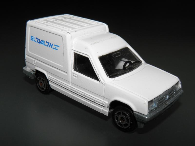 N°228 Chevrolet Blazer dépanneuse Pa270110
