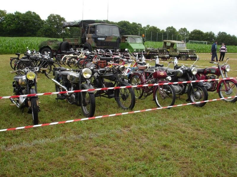 Rassemblement véhicules anciens à la Chaize le Vicomte le 13 juillet 2014 Dsc02815