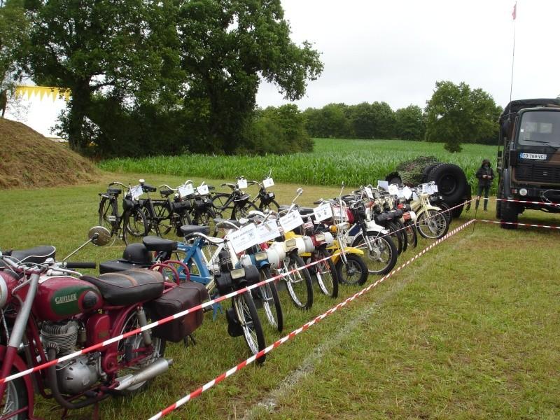 Rassemblement véhicules anciens à la Chaize le Vicomte le 13 juillet 2014 Dsc02817