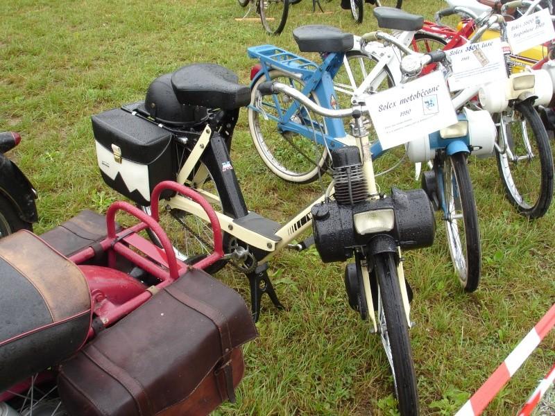 Rassemblement véhicules anciens à la Chaize le Vicomte le 13 juillet 2014 Dsc02818