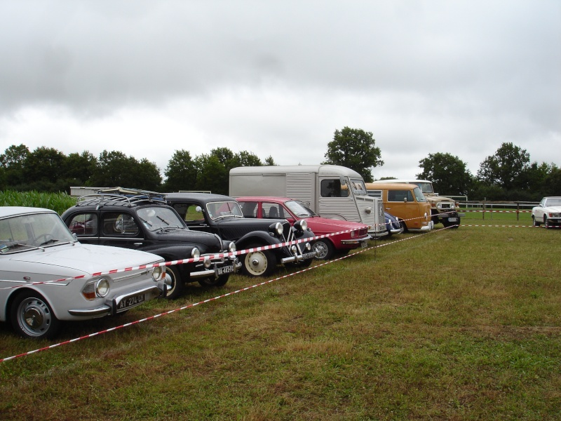 Rassemblement véhicules anciens à la Chaize le Vicomte le 13 juillet 2014 Dsc02822
