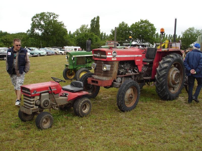 Rassemblement véhicules anciens à la Chaize le Vicomte le 13 juillet 2014 Dsc02825