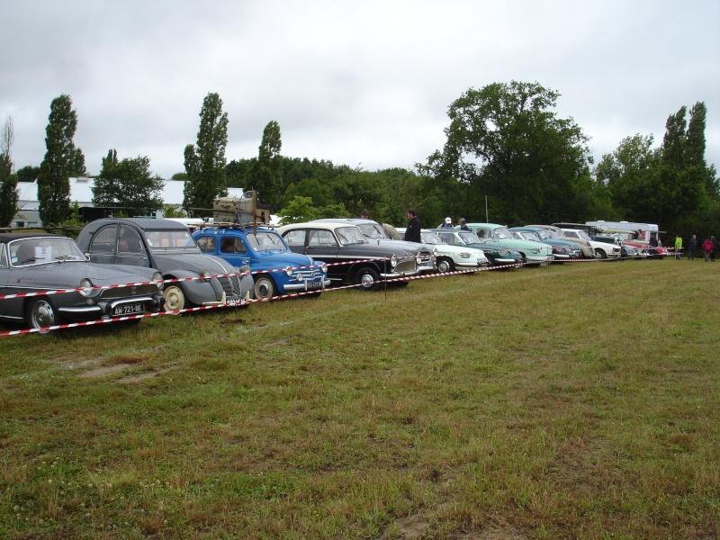 Rassemblement véhicules anciens à la Chaize le Vicomte le 13 juillet 2014 Dsc02826