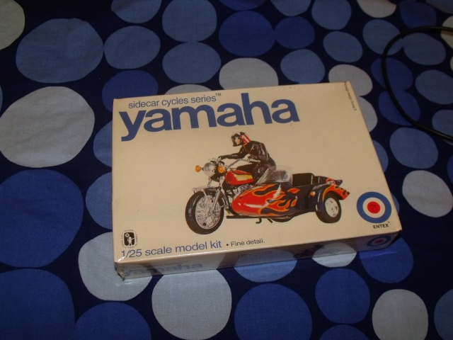 Yamaha TX 750 + sidecar 1/25 Yamaha10