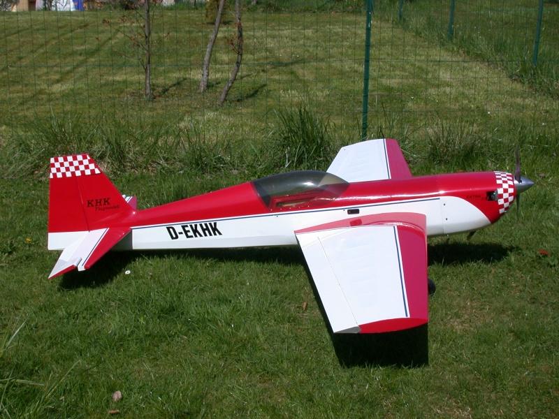 Avion VGM Extra 330S Dscn4410