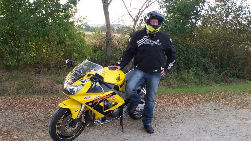 la jaune et moi on est parti promener a Albi 20141013