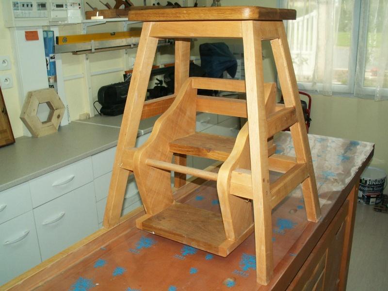 Assis ou debout : un tabouret-escabeau Pict0012