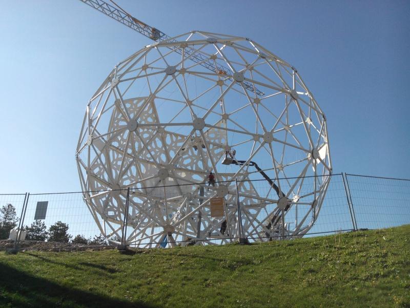 Boule du Futuroscope : démontage, reconstruction, scénographie (2012-2014) - Page 19 Img_2019