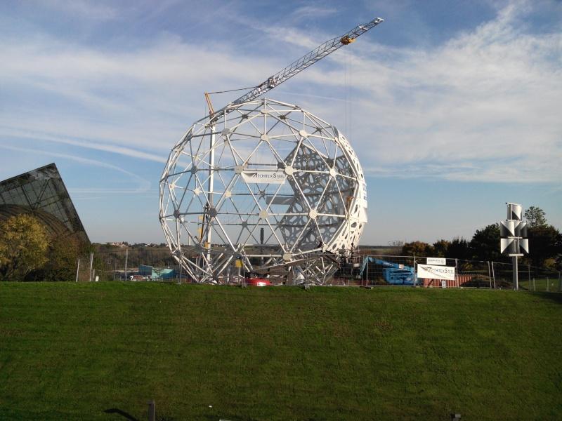 Boule du Futuroscope : démontage, reconstruction, scénographie (2012-2014) - Page 19 Img_2020