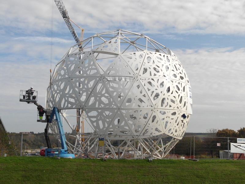 Boule du Futuroscope : démontage, reconstruction, scénographie (2012-2014) - Page 19 Img_2022