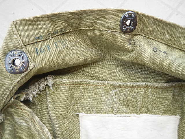 WWII Gas mask bag Old_ba23