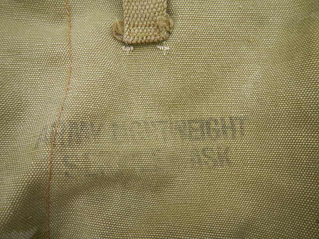 WWII Gas mask bag Old_ba27