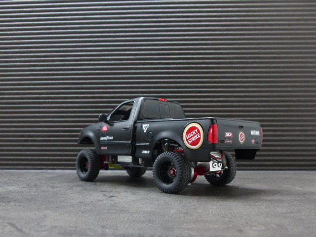 Ford F150 pre-runner ( terminé ) F150_011