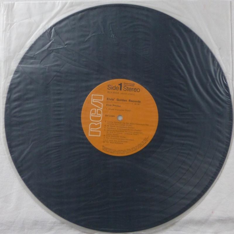 ELVIS`GOLDEN RECORDS P1040023