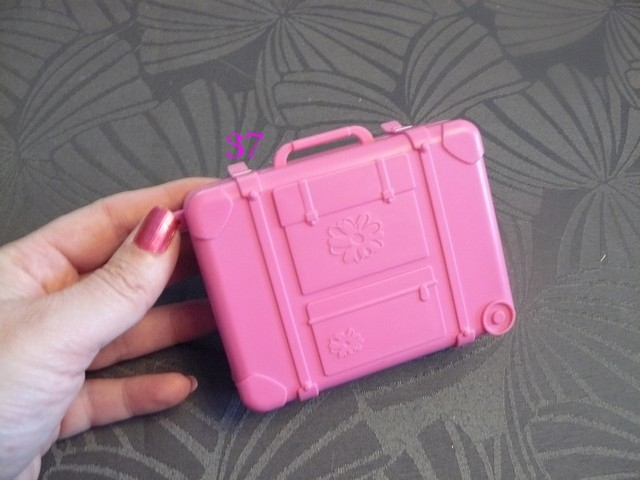 Identifications vêtements Barbie  3710