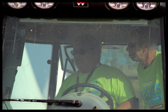 recherche photo du tracteur Img_4511