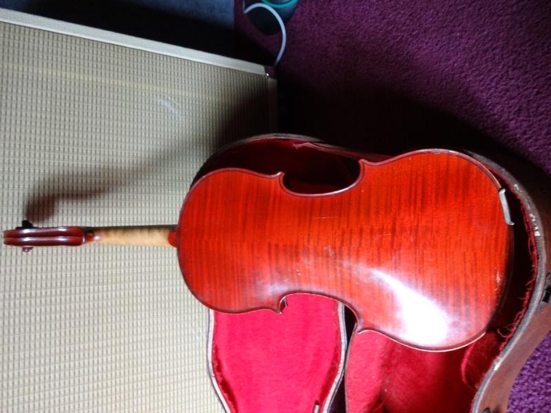 Coucou question pour les connaisseurs en violon Dsc02120