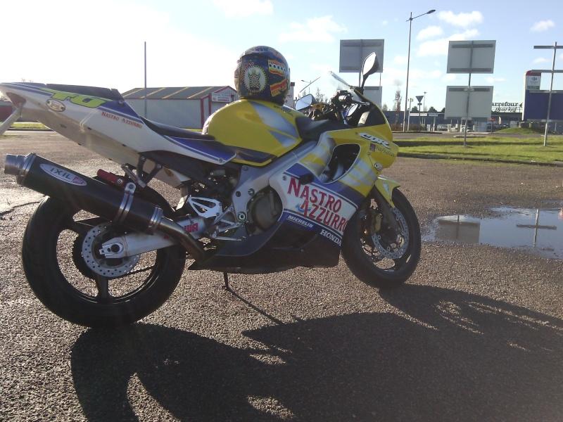 La moto <--- Img_2010