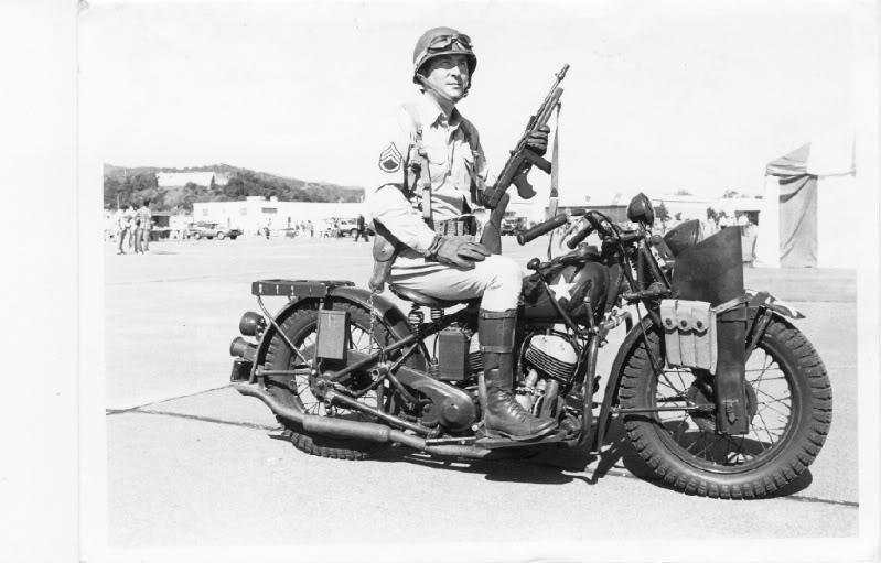 les motos du debarquement Indian11