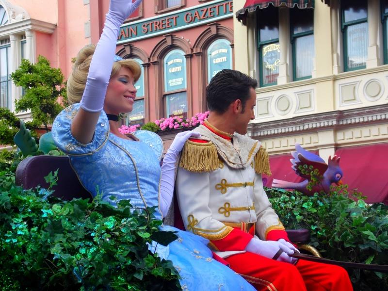 Vos photos avec les Personnages Disney - Page 4 Parade12