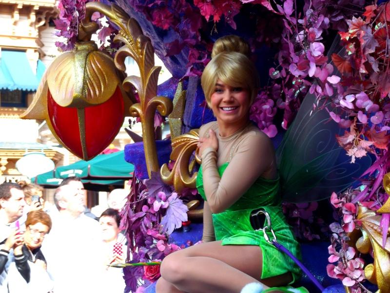 Vos photos avec les Personnages Disney - Page 4 Parade13