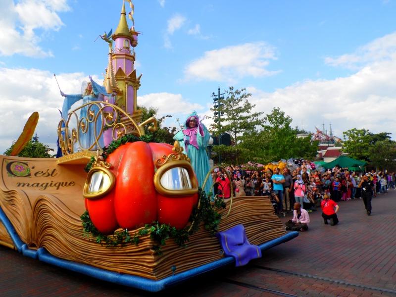 Vos photos avec les Personnages Disney - Page 4 Parade14