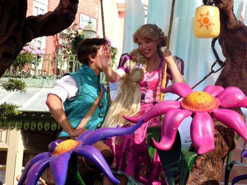 Vos photos avec les Personnages Disney - Page 4 Parade16