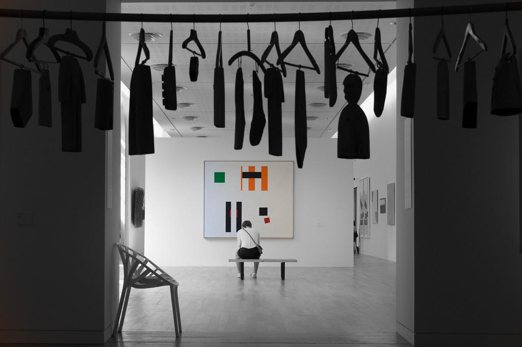 Noir et Blanc / Sépia / Désaturation partielle / Traitements divers - Page 16 42343210