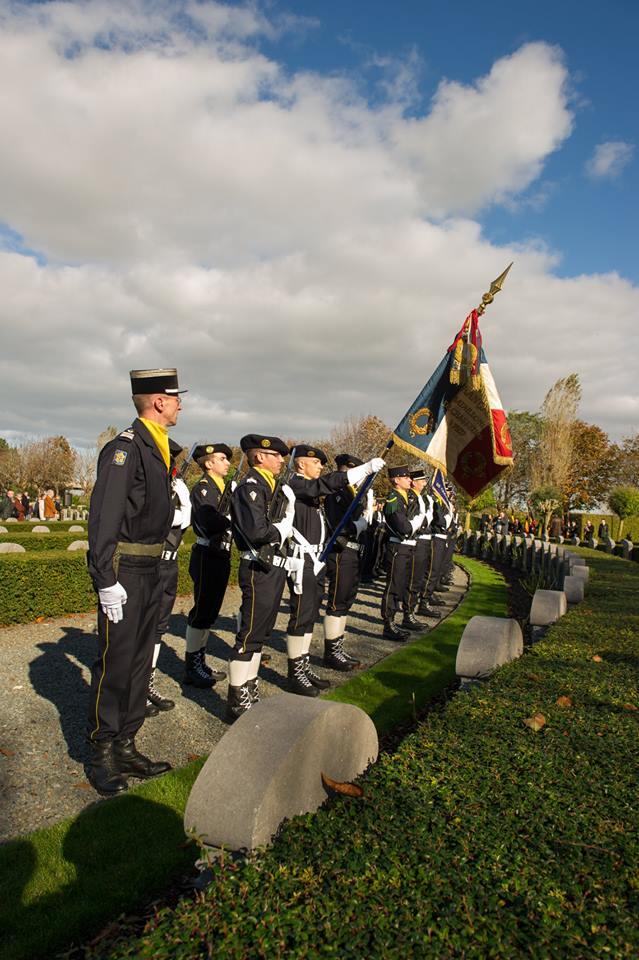 _ Cérémonie à Ramscapelle. (Unités belges et françaises) 10450711