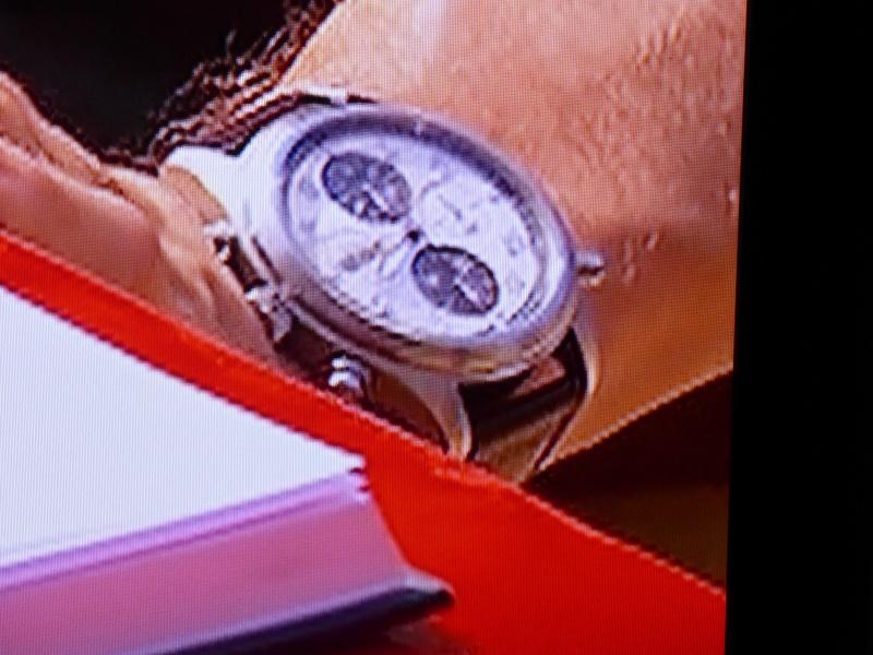 Breitling -  La montre du jour des autres... dans les émissions télévisées (tome V)     - Page 24 P1010611